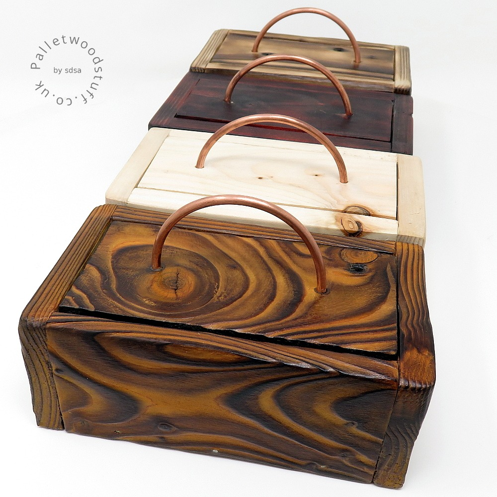 Decorative and functional pieces in upcycled pallet wood